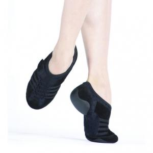 Capezio_Jag_Rubber_Sole_Jazz_Sneaker_Black